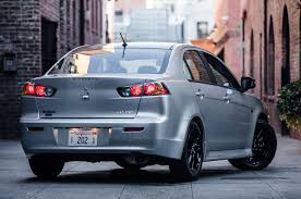 new mitsubishi evo 2017 2017 mitsubishi lancer adds limited edition trim motor trend