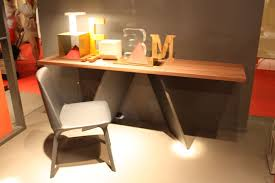 Small Desk Brown Hints For Choosing A Modern Computer Desk That Suits Your Style