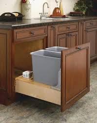 rangement poubelle cuisine idee rangement poubelle cuisine cuisine idées de décoration de