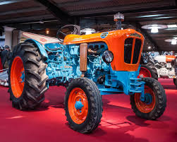 first lamborghini tractor the world u0027s best photos of lamborghini and tractor flickr hive mind