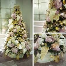 Professional Christmas Tree Decorators Large Led Ball Motif Christmas Tree Near Tower Bridge London