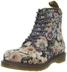 womens combat boots uk 132 best boots images on shoes doc martins and combat