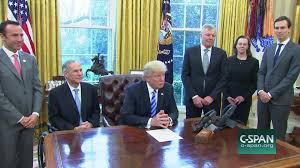 time warner cable guide mcallen tx president trump meets charter communications ceo thomas rutledge
