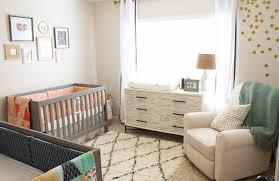 babyzimmer einrichten kinderzimmer neutral gestalten verzierungen auf kinderzimmer