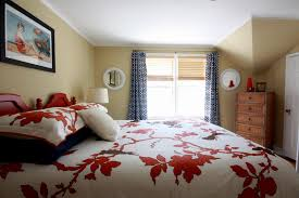 What Size Is A Queen Bed Bedroom What Size Is A Queen Bed Bedroom With Candles Romantic
