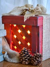make these rustic wooden boxes to display as gifts on the porch