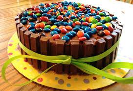 kit kat cake recipe puts regular birthday cake to shame cafemom