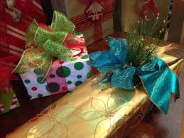 christmas present bows 29 best christmas gift wrapping images on christmas