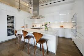 cuisine avec ilots cuisine ouverte et lot central bois guillaume da silva avec ilot