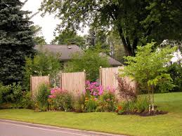 Fence Ideas For Small Backyard by The Unique Small Backyard Landscaping Ideas