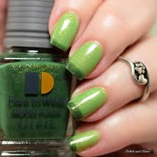 this is lechatnails limelight from their new mood collection a