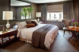 table pour chambre chambre à coucher style assez severe de chambre a coucher avec