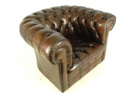 brown leather chesterfield club chair