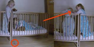 kinderzimmer zwillinge was die kamera in dem kinderzimmer der zwillinge aufnimmt ist das