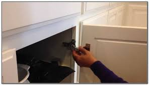 Hanging Cabinet Doors by How To Hang Cabinet Doors With Self Closing Hinges Monsterlune