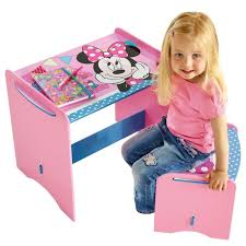 premier bureau enfant minnie mouse mon premier bureau en bois enfant et tabouret
