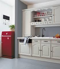cuisine repeinte en gris cuisine grise et repeinte avec rénovation cuisine v33