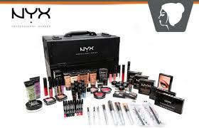 Make Up Nyx free nyx makeup kit