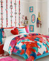 Dorm Room Decorating Ideas: Artsy | TeenVogue.