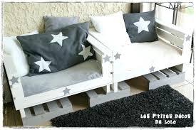 fabrication canap en palette fabriquer un canape en bois 52 idaces pour votre meuble de jardin