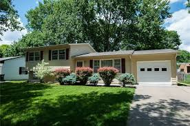 Cottage Curb Appeal - 16 affordable homes with great curb appeal for under 200 000