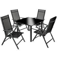 table avec 4 chaises salon de jardin avec 4 chaises pliantes et 1 table en verre tectake