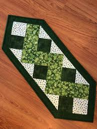 st patrick s day table runner 69 best quilts table runners images on pinterest quilt table