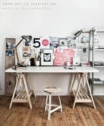 comment fabriquer un bureau en bois comment fabriquer un bureau esprit industriel pas cher pour moins