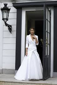 buttons down the back sophisticated wedding gowns sophisticated