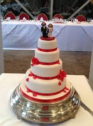 red rose wedding cake cambridge koala cakes