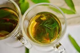 Teh Adas gambar kaca aroma herba menghasilkan minum sehat daun mint