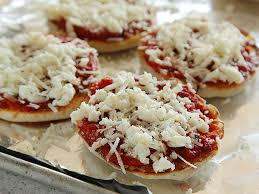 Toaster Muffins The Pizza Lab The Best English Muffin Pepperoni Pizza Serious Eats