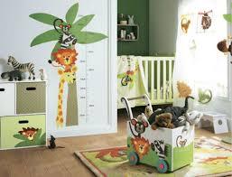 stickers jungle chambre bébé stickers chambre bébé 28 belles idées de décoration murale