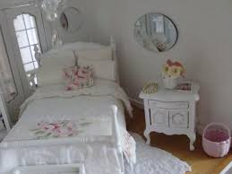 Shabby Chic Dollhouse by 416 Best Dollhouse Bedrooms Images On Pinterest Dollhouse