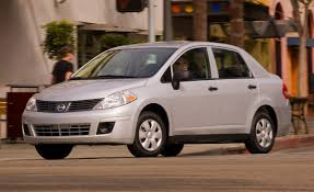 compact nissan versa 2009 nissan versa 1 6 base feature features car and driver