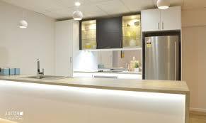 cuisine fonctionnelle cuisine cuisine fonctionnelle petit espace avec clair couleur