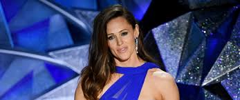 Stop Trying To Make Fetch Happen Meme - jennifer garner hilariously makes fun of her viral oscars meme