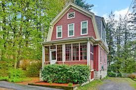 gambrel homes endorsed gambrel style homes weird name good houses the boston globe