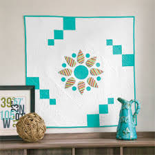 sun easy modern quilted wall hanging pattern