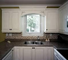 corniche cuisine transformez vos armoires de cuisine avec une corniche et des appliqués
