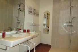 salle de bain chambre d hotes chambres d hôtes les rouges gorges billy berclau la cense
