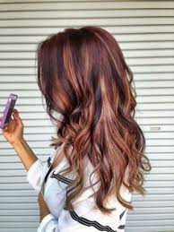 mahogany red hair with high lights best 25 burgundy hair with highlights ideas on pinterest red