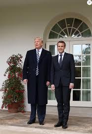 bureau president americain le président de la république française emmanuel macron et le