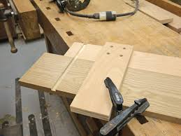 Wood Joints Using A Router by How To Build A Router Jig For Perfect Dadoes Startwoodworking Com