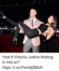 Victoria Meme - how tf victoria justice floating in mid air httpstcopxmsj2mtok