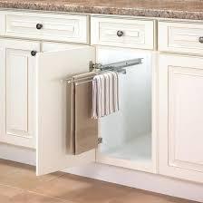 serviette cuisine porte serviettes pour armoires de cuisine serviette porte
