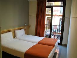 chambre louer barcelone chambre barcelone avec hote pas chere louer chez lhabitant