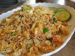 comment cuisiner du riz recette du riz frit thaïlandais le khao pat ข าวผ ด