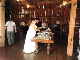 cheap wedding venues in michigan tymes barn wedding in melvin michigan possible venue