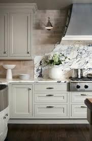 couleur de meuble de cuisine comment repeindre une cuisine idées en photos